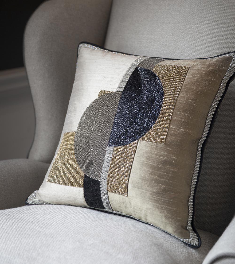 Piet Cushion Beaumont Fletcher Luxury Handmade Furniture And Bespoke Fabrics Naryadnye Navolochki Dekorativnye Divannye Podushki Dekorativnye Podushki