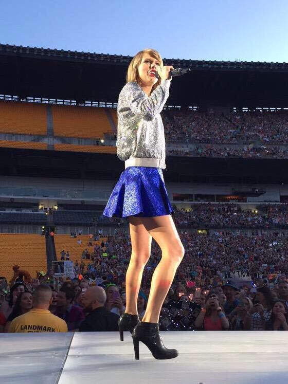 Taylor Performing Welcome To New York During The 1989 World Tour In Pittsburgh 6 6 15 Taylor Swift Style Taylor Alison Swift Taylor Swift