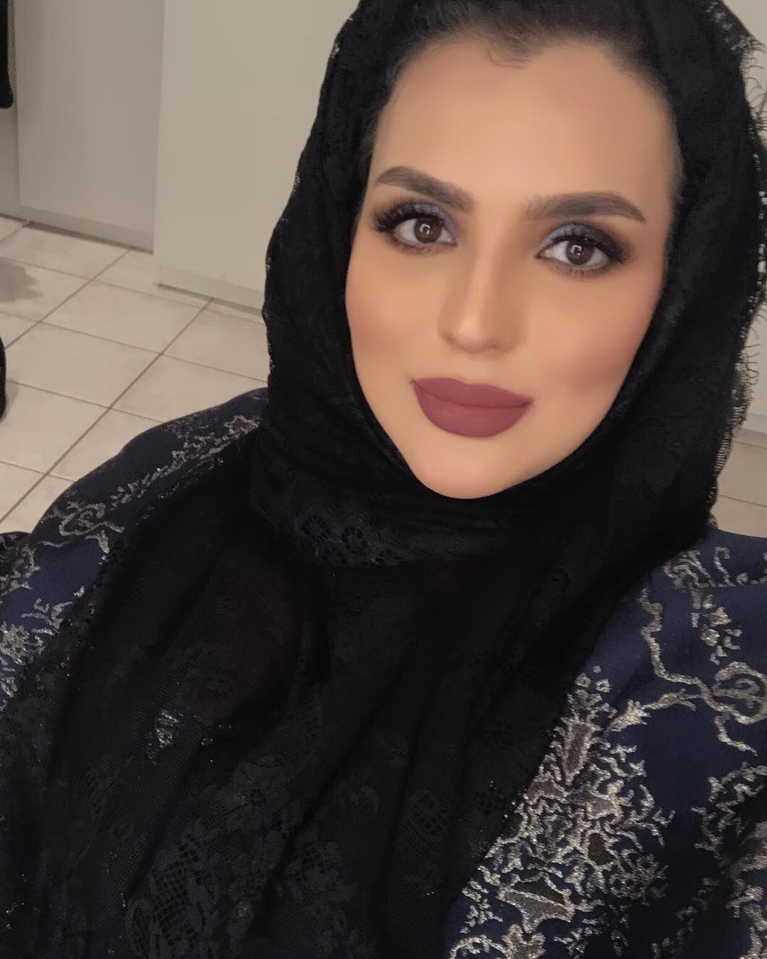 اشتقنا Makeup Art Lipstick Eyelashes Love Boutiqaat Kuwait Ladies Fun Passion Friendship Beauty مكياج حب جمال روج ال Makeup Lady Fashion