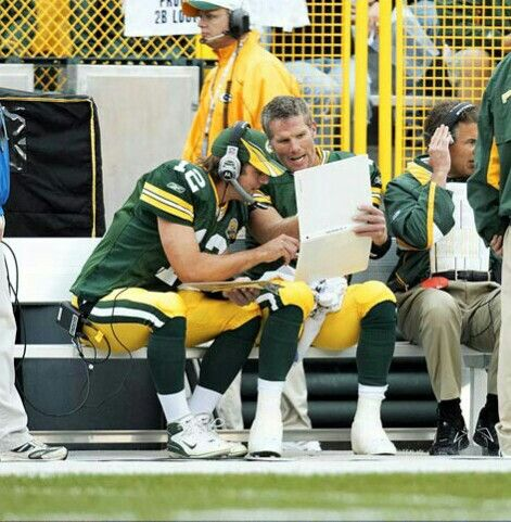 Aaron Rodgers And Brett Favre Green Bay Packers Football Green Bay Packers Cheesehead Green Bay Football