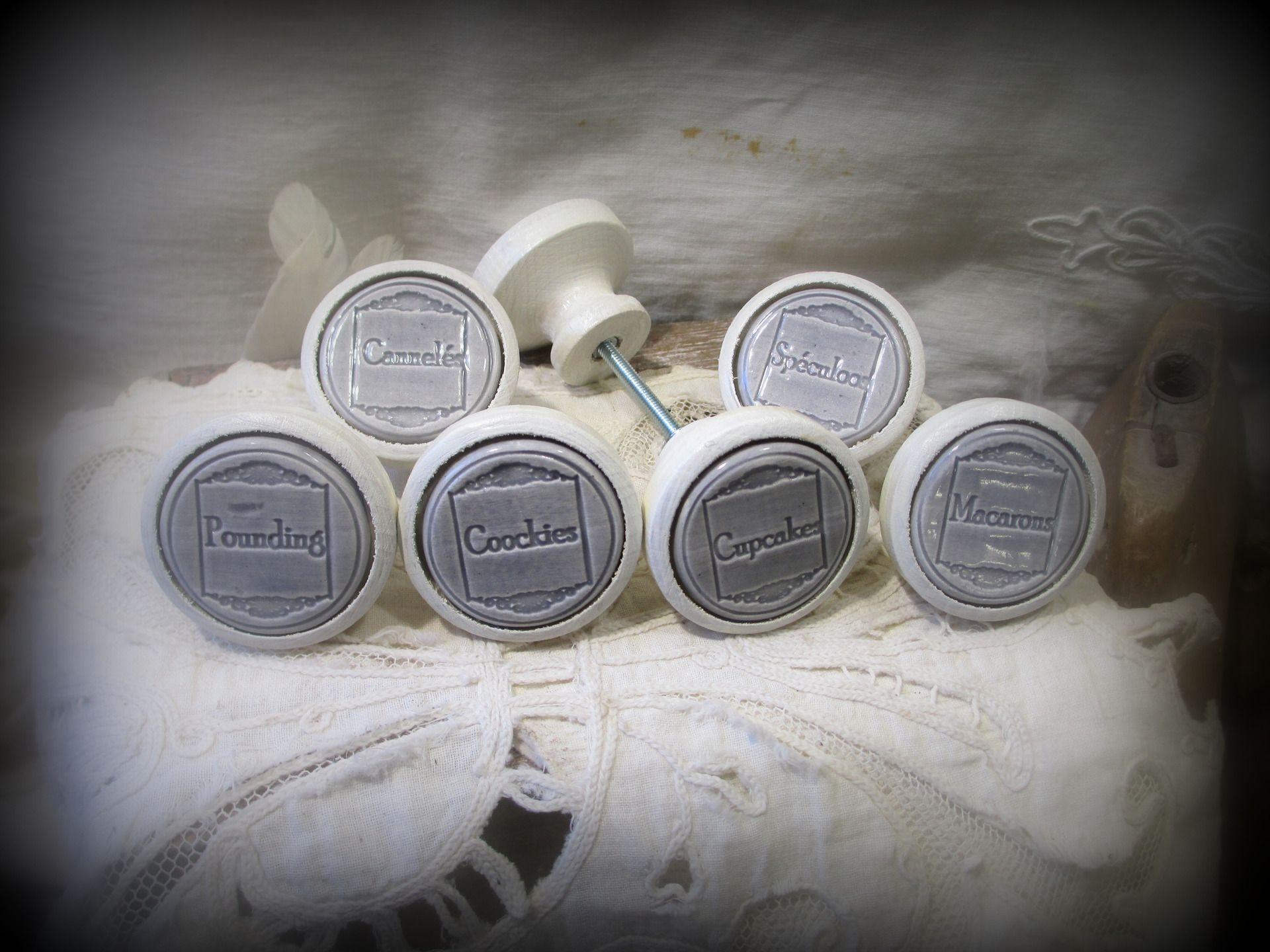 Lot de 6 Boutons de meuble (porte ou de tiroir )en bois beige et Céramique couleur bleu lavande . : Accessoires de maison par mineral