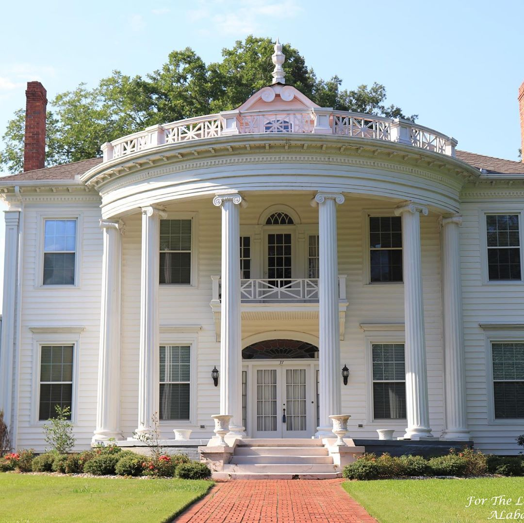 Fortheloveofoldhouses On Instagram Selma Al 1900 148 500 First Photo Credit To My Beautif Antebellum Homes Southern Architecture Greek Revival Architecture