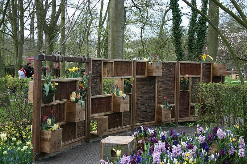 Sichtschutzelemente Uhrzeigersinn Niedrigere Komplettes Hauswand Elemente Genialer Ffnungen Welche Fro Sichtschutzwand Garten Garten Trennwand Garten