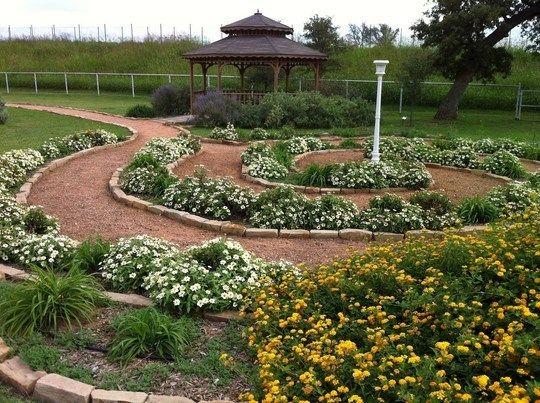 Create Your Own Meditation Garden Hometolife Co Za Meditation Garden Memorial Garden Community Gardening