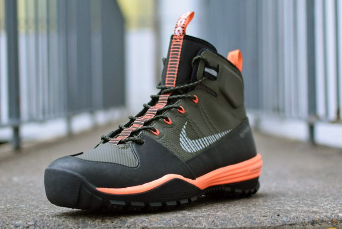 Nike acg boots, Sneaker boots