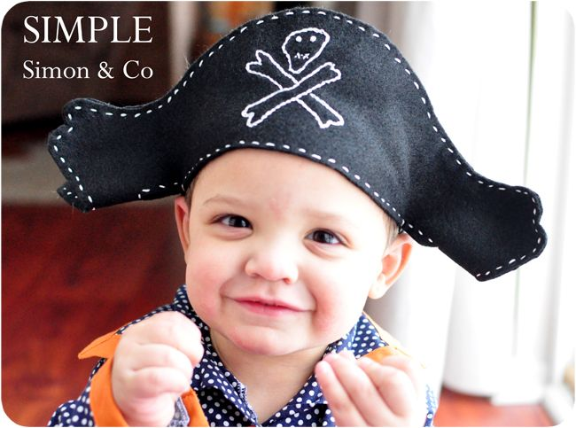 A Felt Pirate Hat Pattern | Halloween | Pirate hats, Felt
