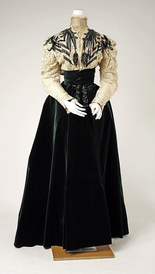 Dress, House of Worth 1898, French, Made of velvet
