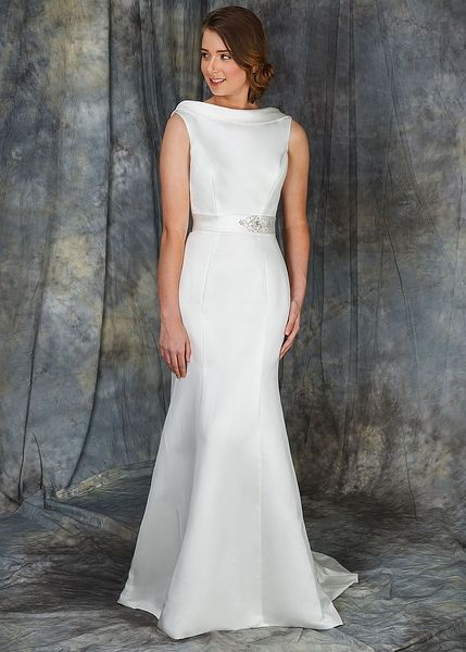 ca332d75b61 Dido is a full satin panelled Fit   Flare gown which beautifully contours  the shape of the body. The perfect balance between classic and  contemporary