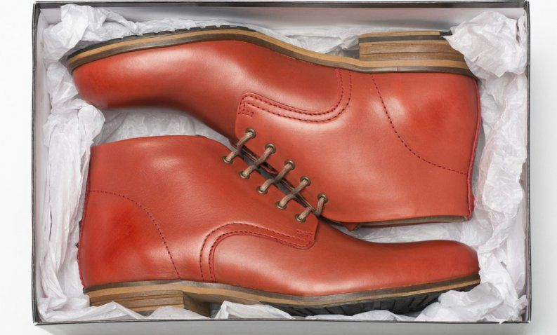 ¿Has estado maltratando tus zapatos? Así es como se debe limpiar cada tipo de…