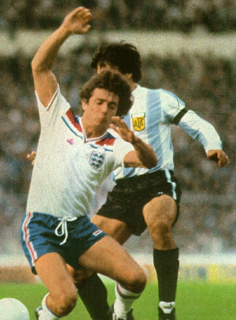 England 3 Argentina 1 in 1998 at Wembley Kevin Keegan is fouled