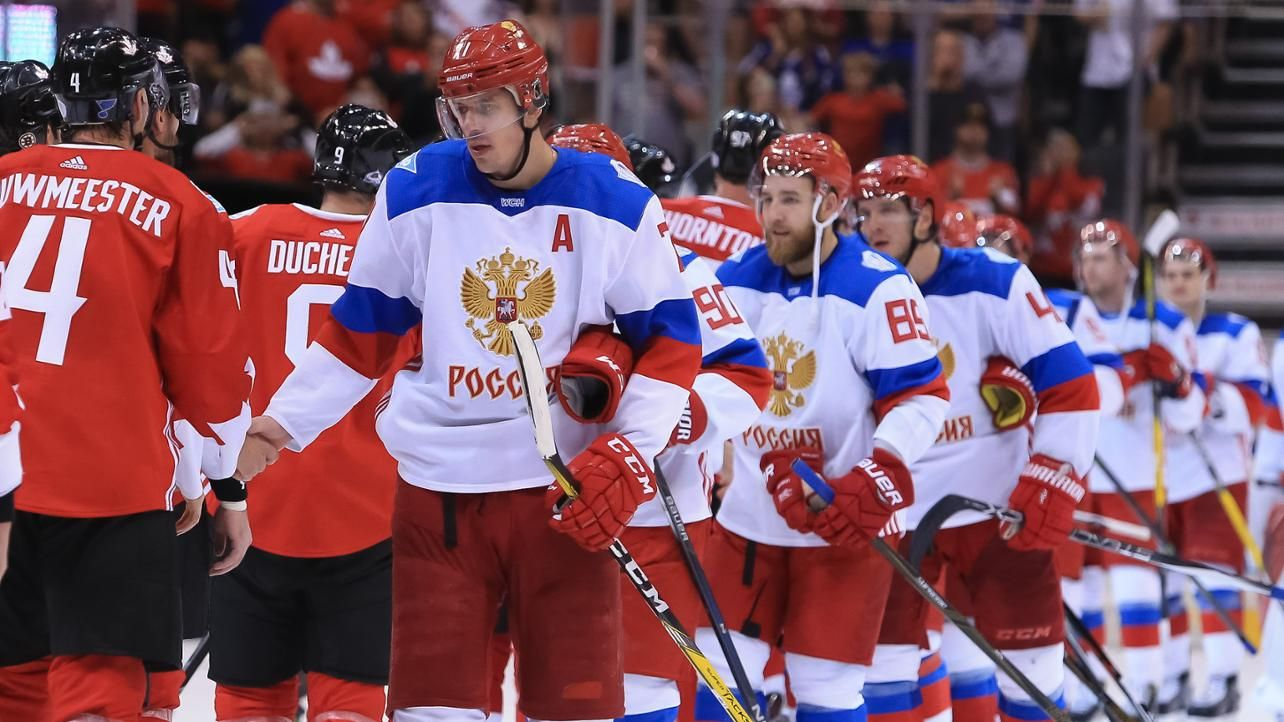 Toronto On September 24 Evgeni Malkin 71 Of Team Russia Shakes Hands With Team Canada After A 5 3 Loss To At The Semif Team Canada Hockey World Cup Russia