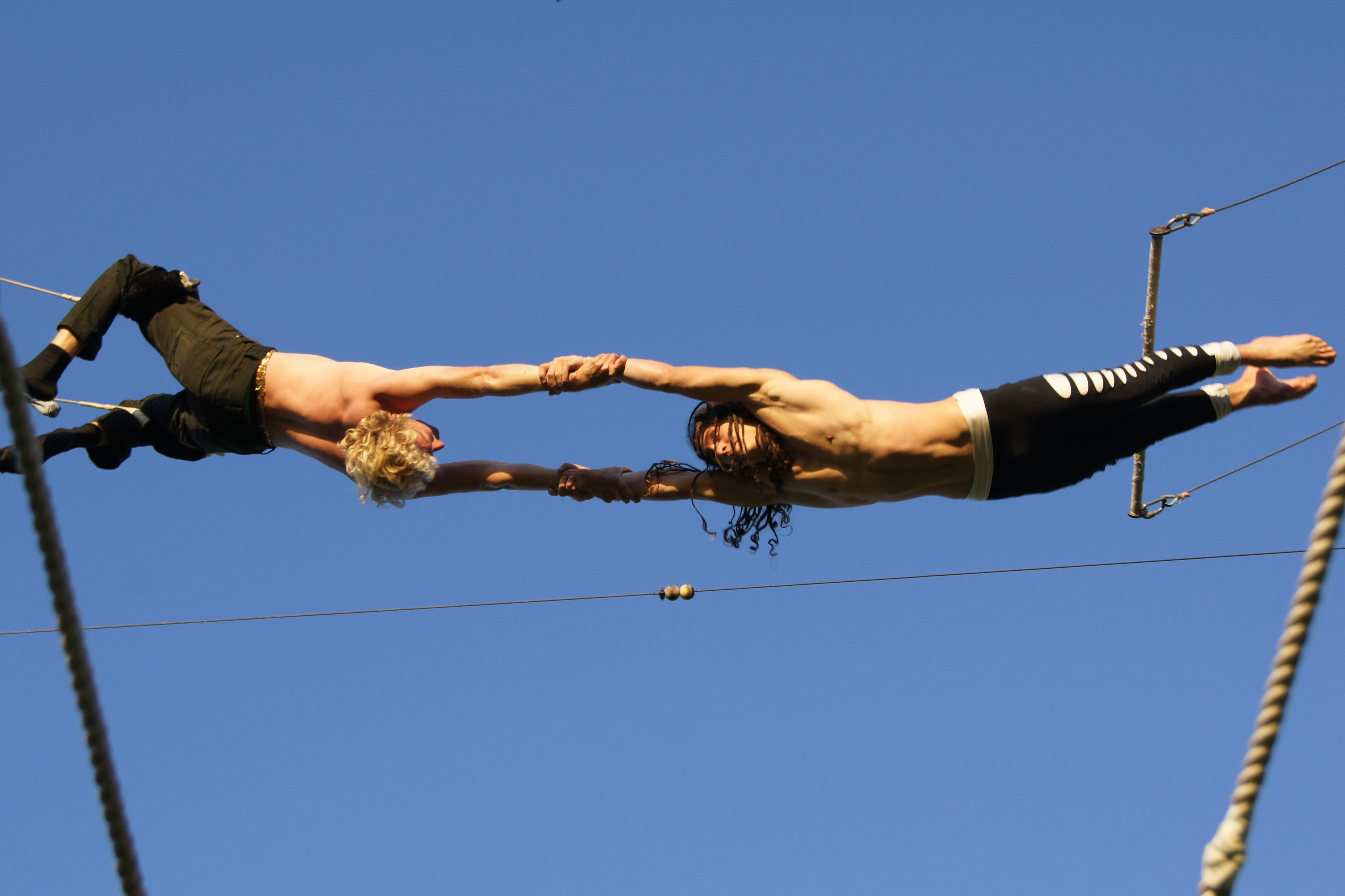 What better way to see some of London's most beautiful scenery than a flying trapeze, offering flyers a view of the city from the air?