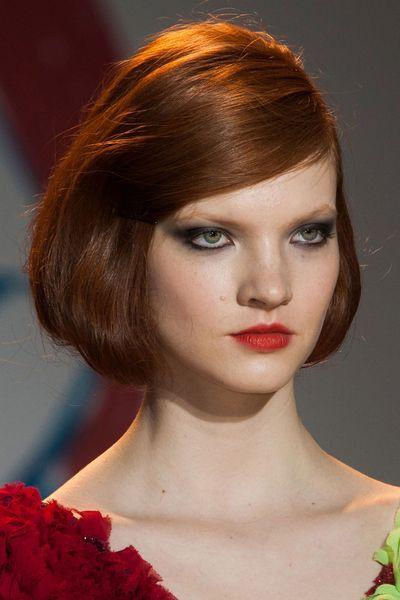 Coiffures Et Coupes De Cheveux Automne Hiver 2014 2015 Images Coiffure Produits Capillaires Coiffure Maquillage