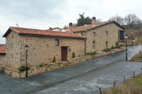 Venta Casa Rural De Piedra Rehabilitada Villanueva De Henares Aguilar De Campoo Casas Rurales En Venta Casas Rurales Rurales