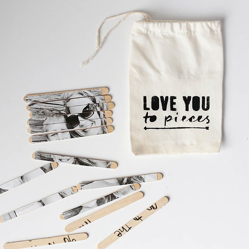 DIY photo puzzle with popsicles sticks