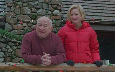 Ed Asner Alice Evans Play Father Daughter In The Christmas