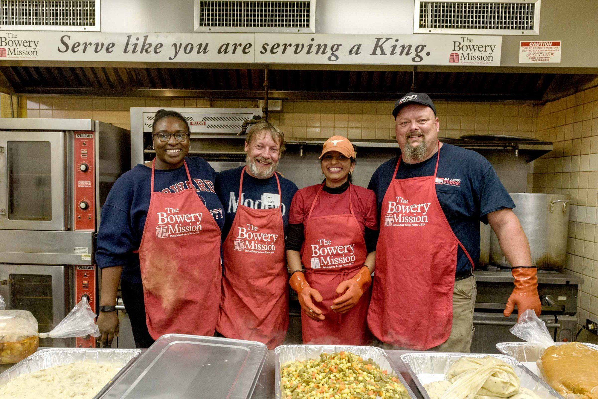 Where To Volunteer In Nyc Food Banks Shelters Soup Kitchens