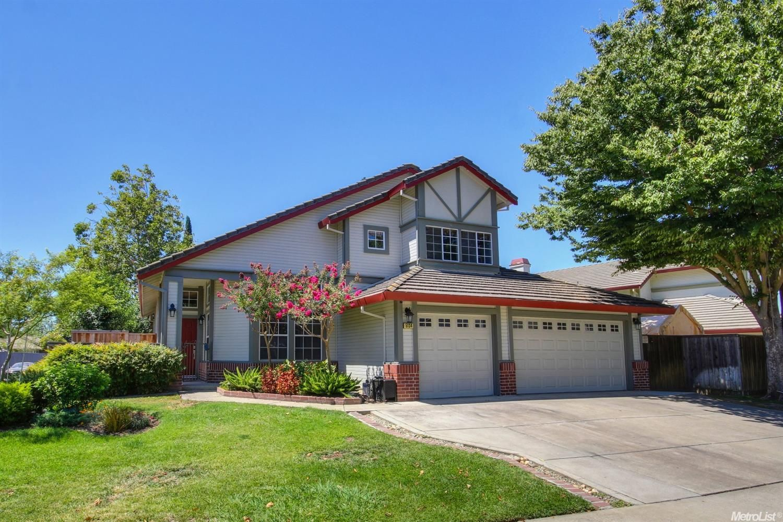 5134 Surreyglen Way Elk Grove Ca Property Details Find Sacramento Area Homes House Styles Property Home