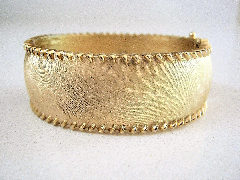 Unmarked, Textured Finish Brush Finish Vintage Earrings Clip On Flower Petal Earrings Gold Tone Clip On Earrings