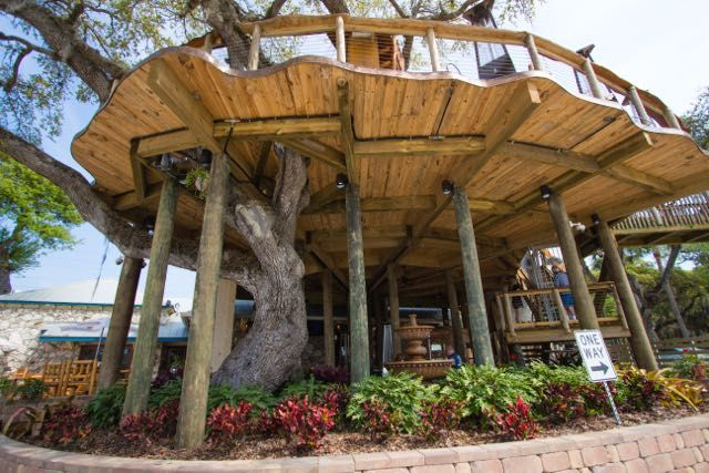Dine In The Treetops At This Huge Tree House Restaurant In