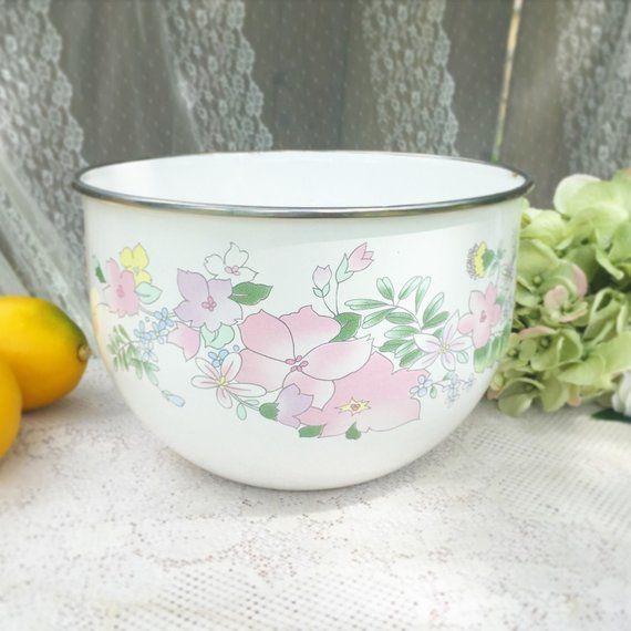 Large Vintage Kobe enamel pink rose floral mixing / serving bowl. Cooking, kitchen ware, metal nesting bowl, shabby chic. cottage chic #kitchenware