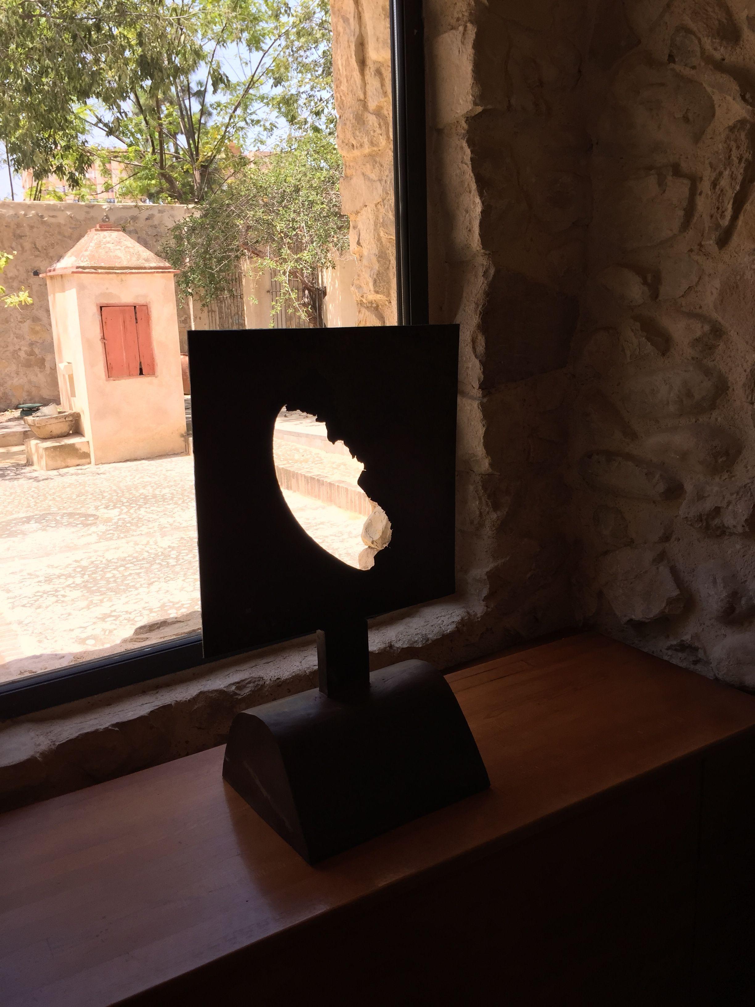 """""""Luna"""". Escultura de acero corten y chapa de hierro."""