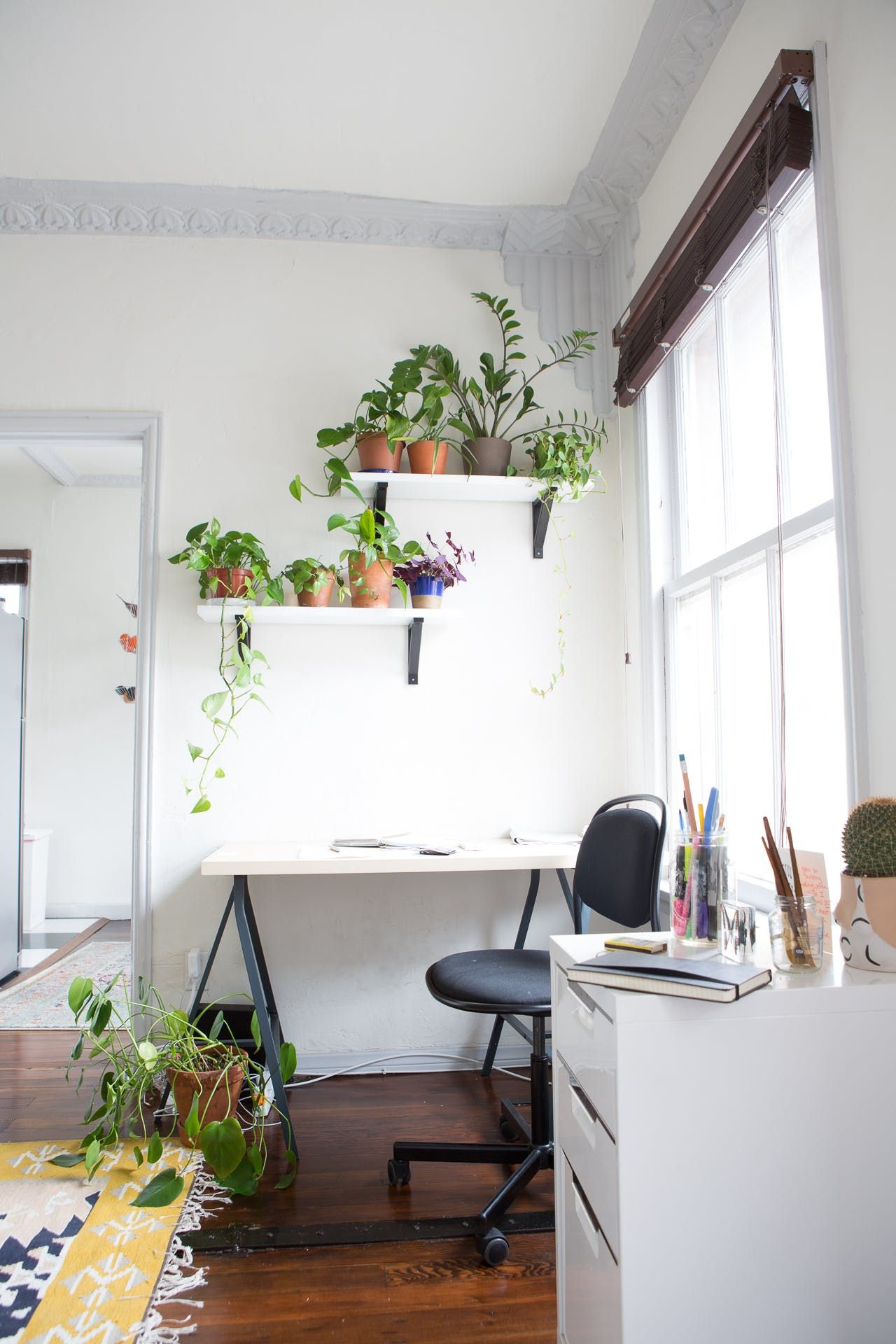 A Wellness Blogger S Clean Minimal Los Angeles Studio