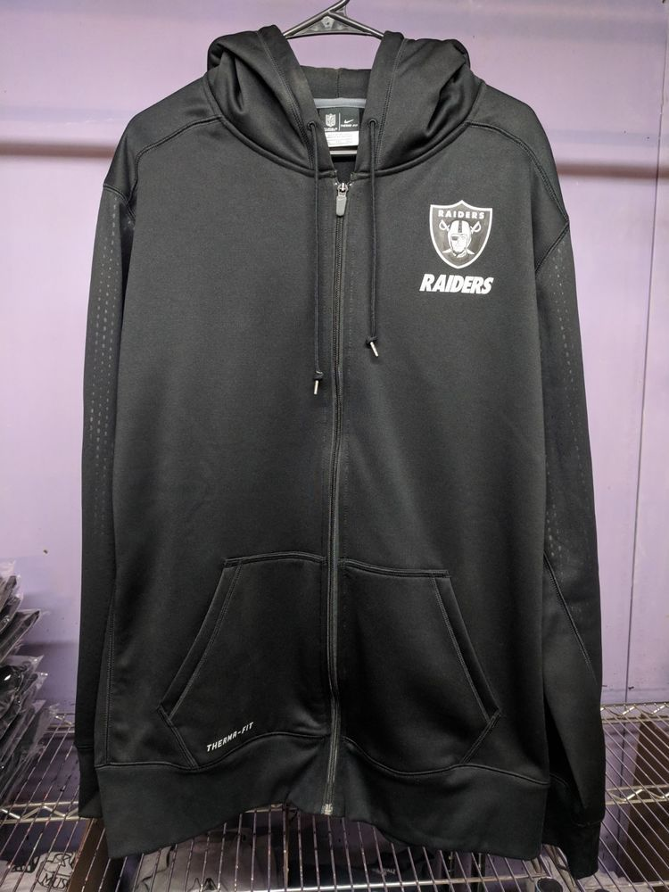 3196ccdc1143 Oakland Raiders Nike Black Sideline Fleece Therma-FIT Full Zipper Hoodie  2XL  fashion  clothing  shoes  accessories  mensclothing  activewear (ebay  link)