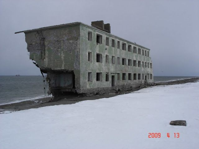 Deserted Places: An abandoned Russian apartment building by the sea