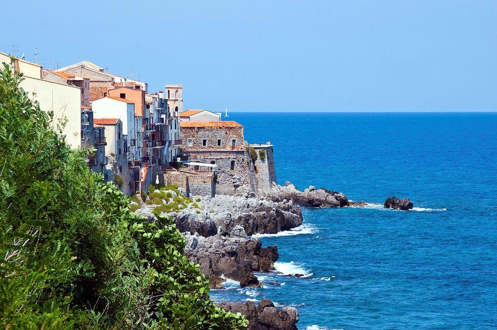 Cefalù, colori di Sicilia   Flickr - Photo Sharing!