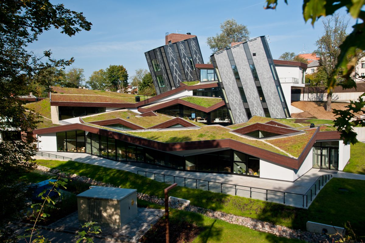 6 Futuristic Projects Sprouting Green Roofs Interior Design Magazine Architecture Green Roof Roof Architecture