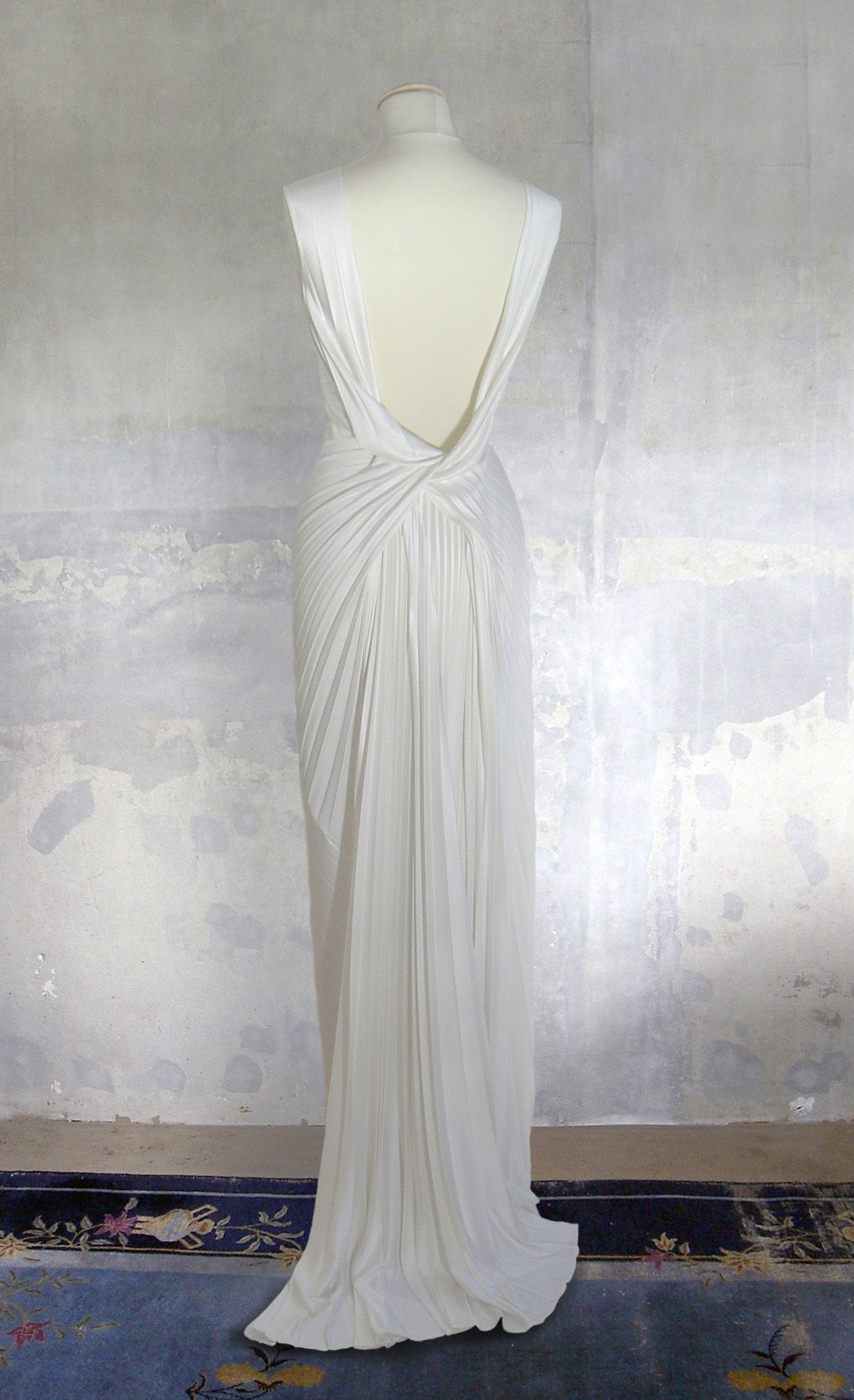 Remshardt-rückenfreies 11er Jahre Brautkleid Hochzeitskleid aus