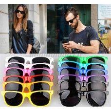 Unisex aurinkolasit, eri värivaihtoehtoja