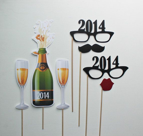 2014 New Year\'s Eve Photo Props. Holiday Engagement. Wedding Toast ...