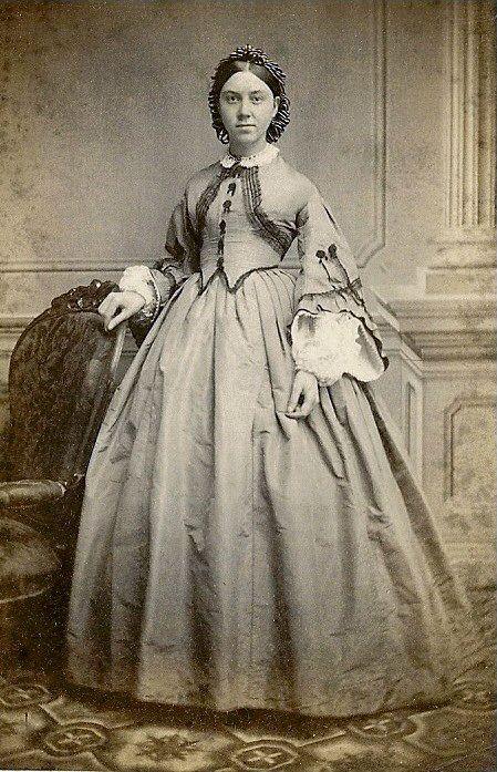 Civil War Woman | Vintage Fashion | Civil war fashion, Civil