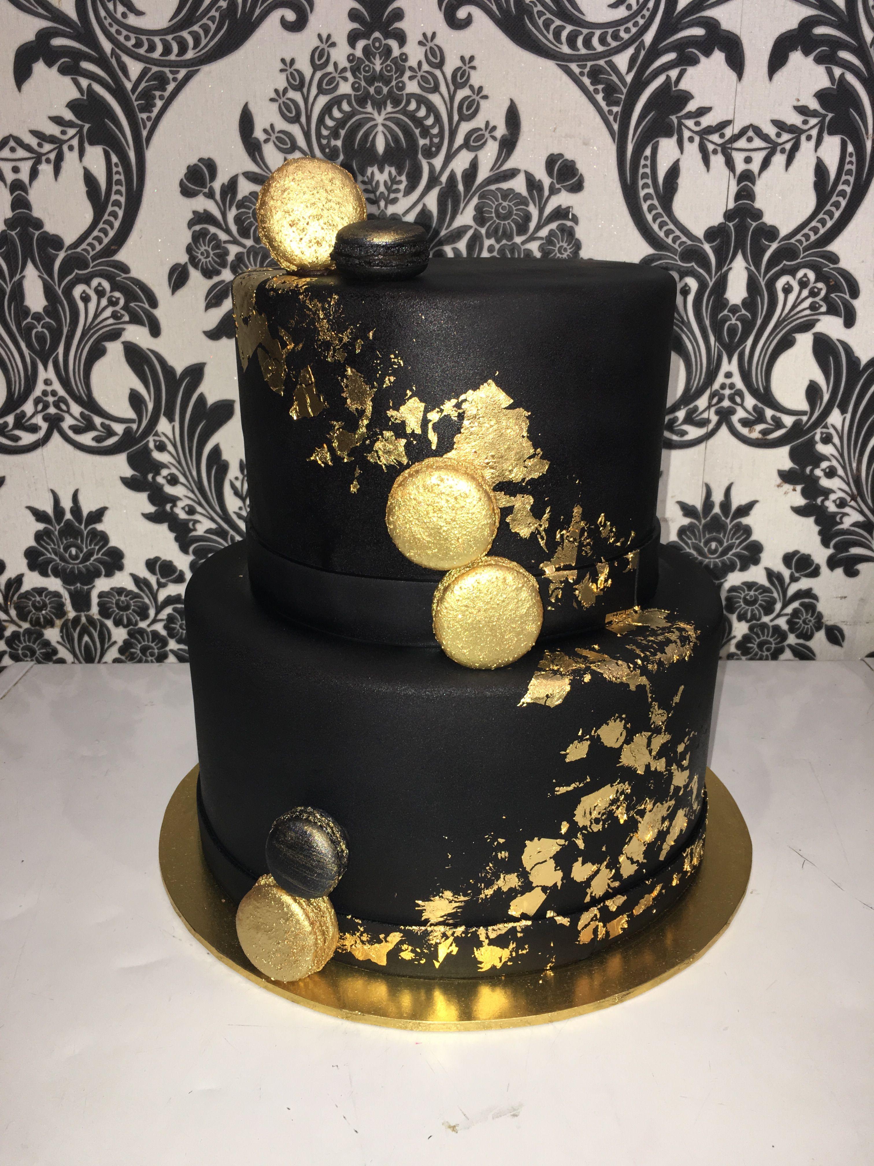 Blackcake Gold Weddingcake With Images Black And Gold Cake