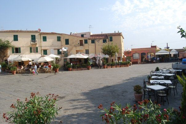 piazzetta di Capoliveri Paesaggi, Italia e Isola d'elba