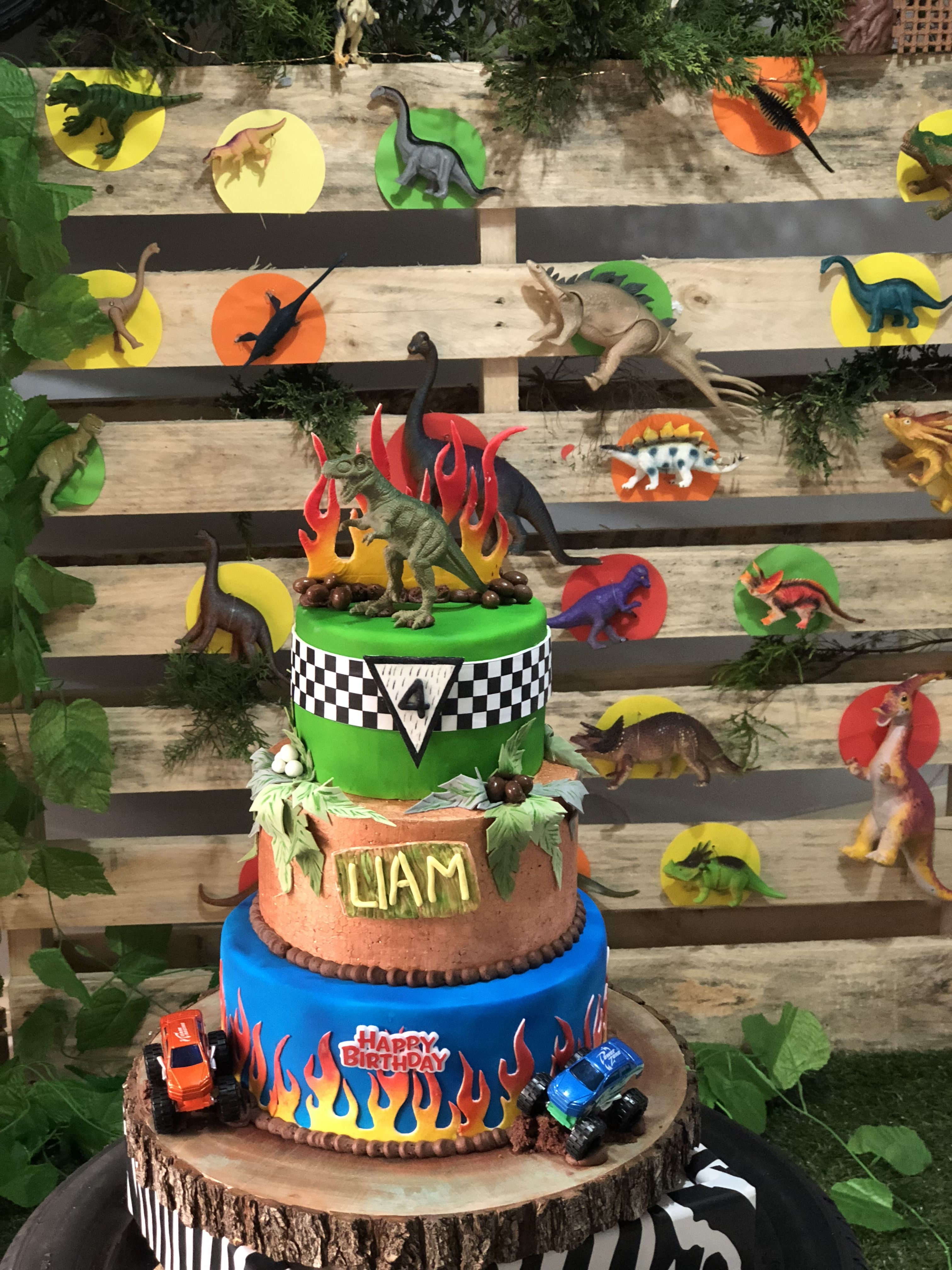 Pin By Jessica Chateau On Arthur S 4th Birthday Monster Trucks Birthday Party Birthday Fun Trucks Birthday Party