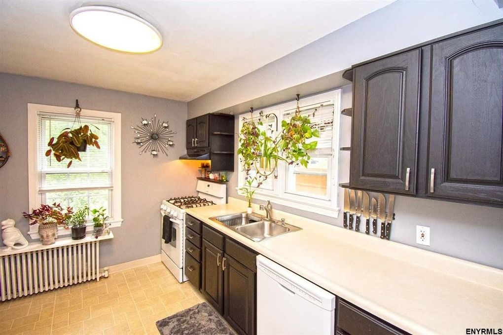 87 Homestead St Albany Ny 12203 Kitchen Cabinets Home Decor Kitchen