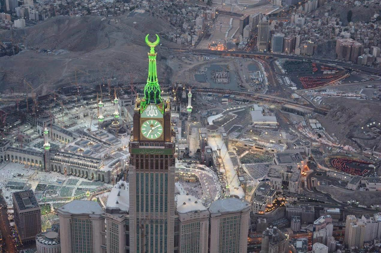 بالصور العربية نت ترافق طيران الأمن فوق الحرم المكي Big Ben Landmarks Saudi Arabia