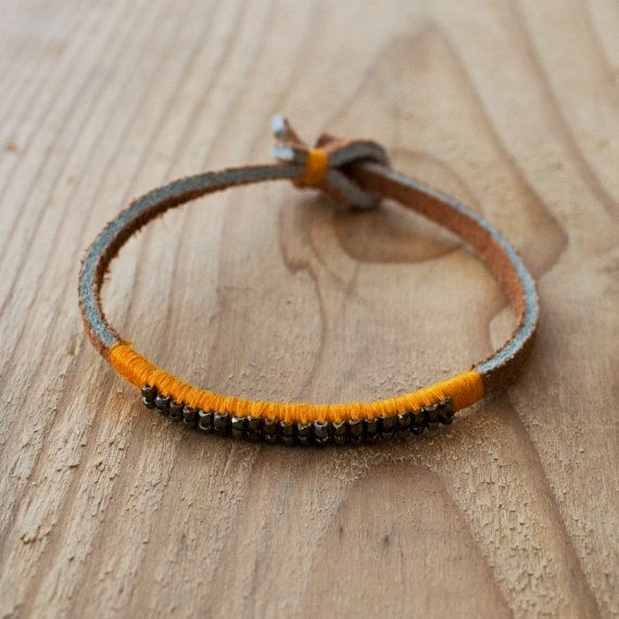 Saffron Beaded Leather Bracelet di SeeRealFlowers su Etsy, $57.00