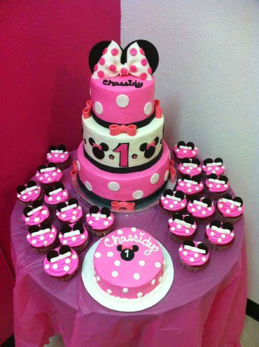 Minnie Mouse cake and cupcakes CAKES by Little Hunnys Cakery