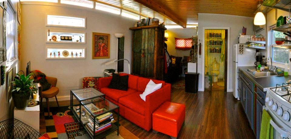 Pin By Elise Buhn On Tiny Shelters Tiny Spaces Tiny House Living Tiny Little Houses Tiny House Interior
