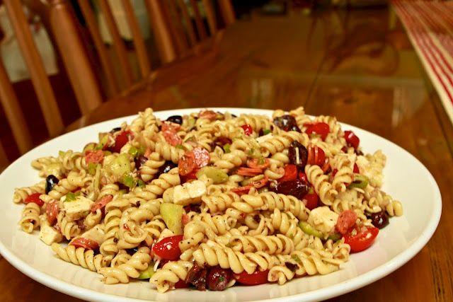 greek pasta salad...like Dee makes!
