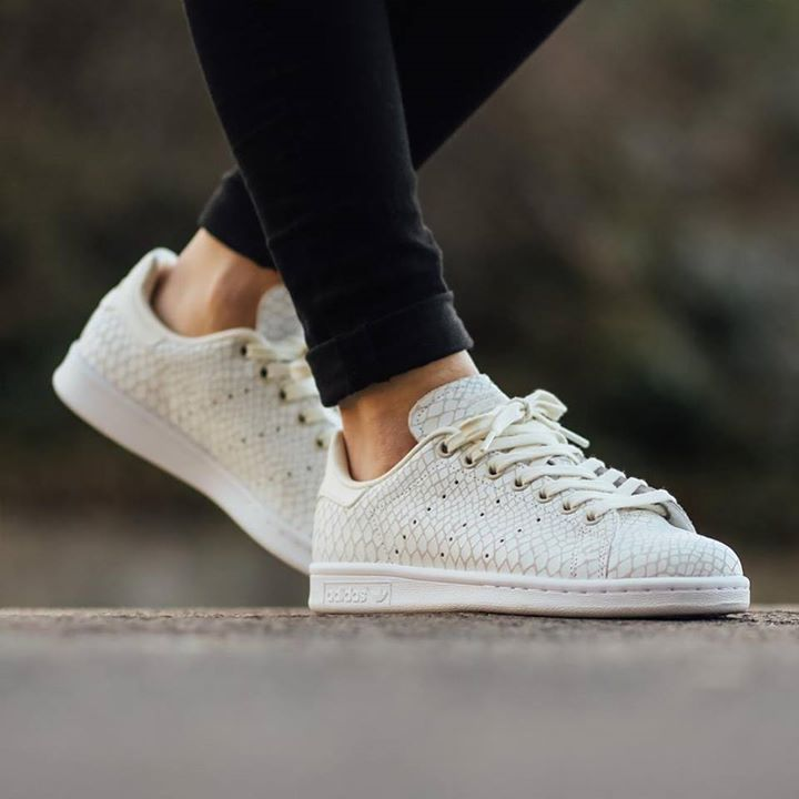 adidas originals off white stan smith trainers