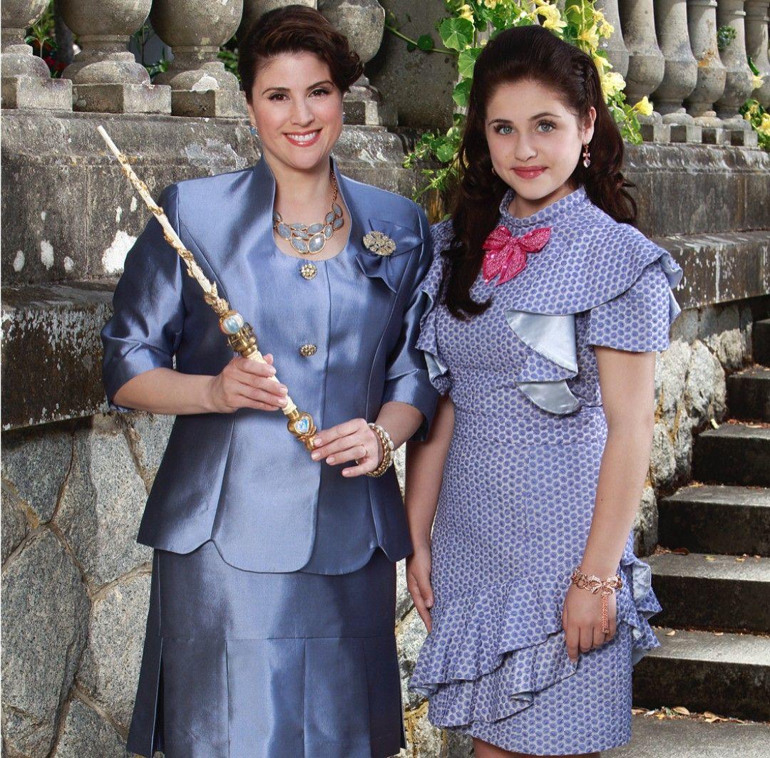Pin By Diana Delrosso On Descendants 2 Fairy Godmother Wand Fairy Godmother Disney Descendants