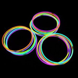 "22"" Glowsticks Light Stick Necklaces Mixed Colors (100 Necklaces) by LumiStick. $36.39. Glows 8 - 12 Hours; Brand New & Fresh from the Factory. 2 Tubes of 50 Glow Necklaces, 100 Necklaces total. Contains 5 Colors: Pink, Green, Blue, Yellow & Orange. Great for Halloween, Parties, Bath Tub Fun, Weddings, Bars & More. 100 Connectors Included (Make Necklaces & More). The best brand of glow necklaces on the market.  You will receive 100 LumiStick luminescent light necklaces.  Your ord..."