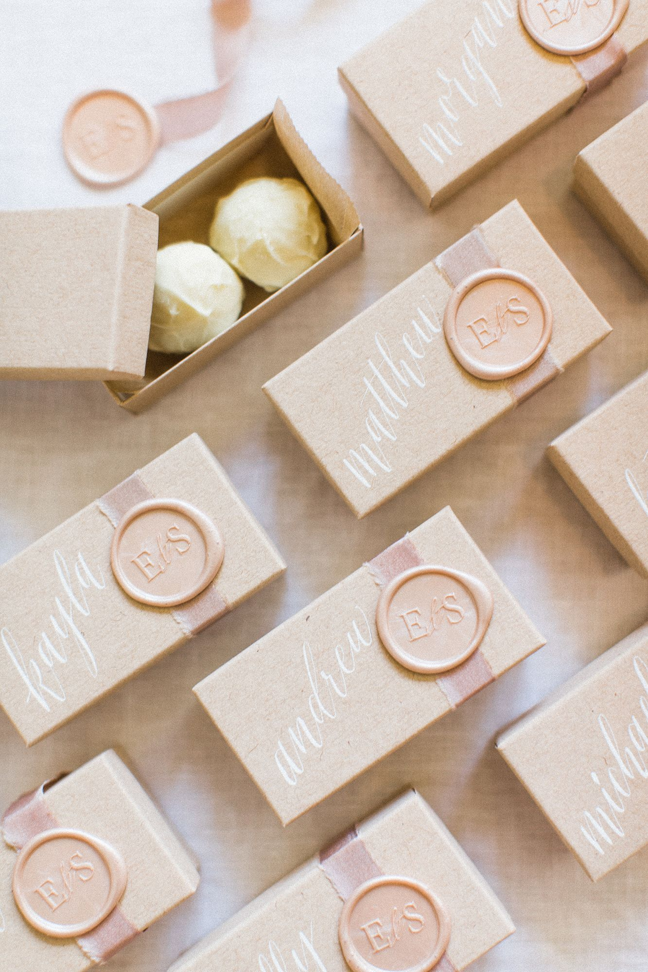 37 Edible Wedding Favors Guests Will Eat Up (Literally!)