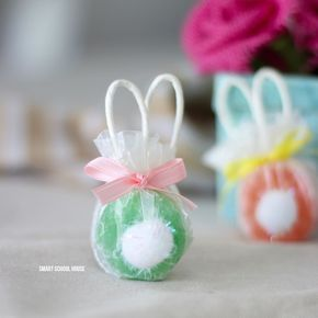 Bunny lollipops made with safety pops the handles are the ears bunny lollipops made with safety pops the handles are the ears and easy diy easter gift idea negle Images