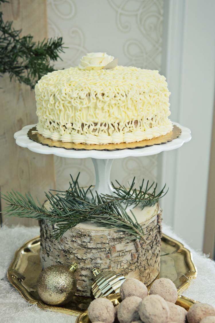 Styled Shoot: A Festive Christmas Affair in Las Vegas | Wedding cake ...